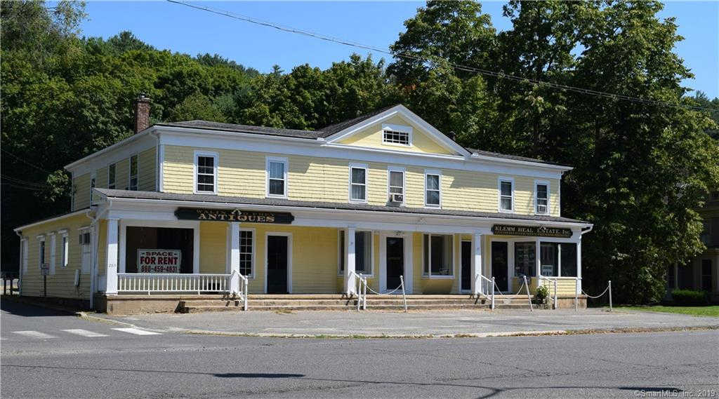 289 Main Street South #2, Woodbury, CT 06798 is now new to the market!
