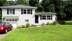 561 Middle Road Turnpike, Woodbury, CT 06798