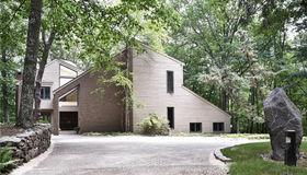 12 Comstock Court, Ridgefield, CT 06877