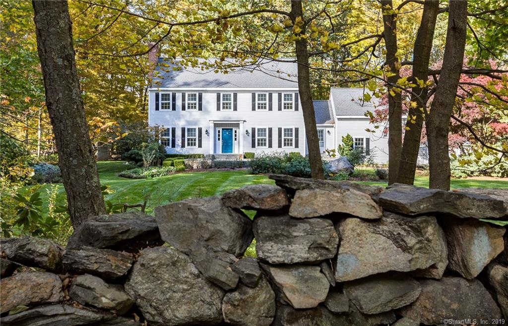 30 Banks Hill Place, Ridgefield, CT 06877 now has a new price of $870,000!