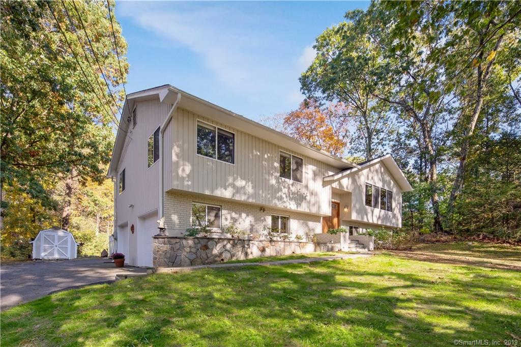 185 Great Plain Road, Danbury, CT 06811 is now new to the market!