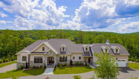 194 Willow Creek Estates Drive, Southbury, CT 06488