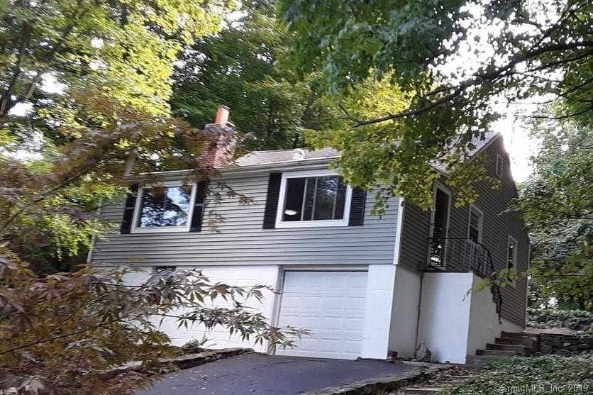 318 Mountain Road, Ridgefield, CT 06877 now has a new price of $1,850!
