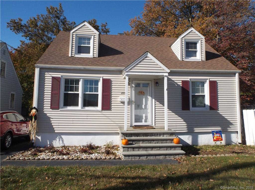 814 Knapps Highway, Fairfield, CT 06825 has an Open House on  Sunday, November 3, 2019 12:00 PM to 2:00 PM