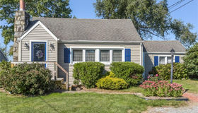 43 Ingham Hill Road, Old Saybrook, CT 06475