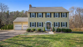 11 Briarwood Terrace, Middlebury, CT 06762