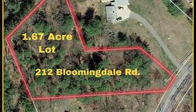212 Bloomingdale Road, Waterford, CT 06375