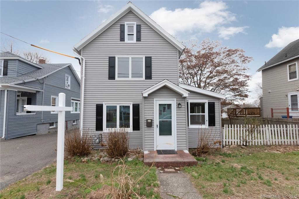 730 King Street, Stratford, CT 06614 now has a new price of $199,900!