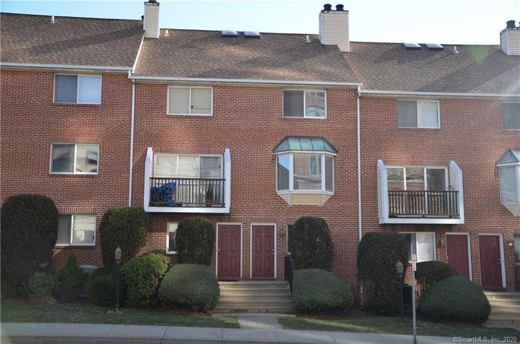 101 Grove Street #4, Stamford, CT 06901 now has a new price of $2,700!