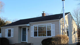 21 3rd Avenue, Waterford, CT 06385