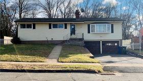 33 Fowler Lane, East Hartford, CT 06118