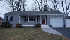 6 North Phillips Street, Waterford, CT 06385