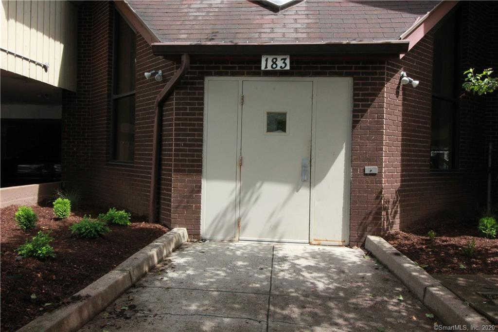 183 Livingston Place #2, Bridgeport, CT 06610 is now new to the market!