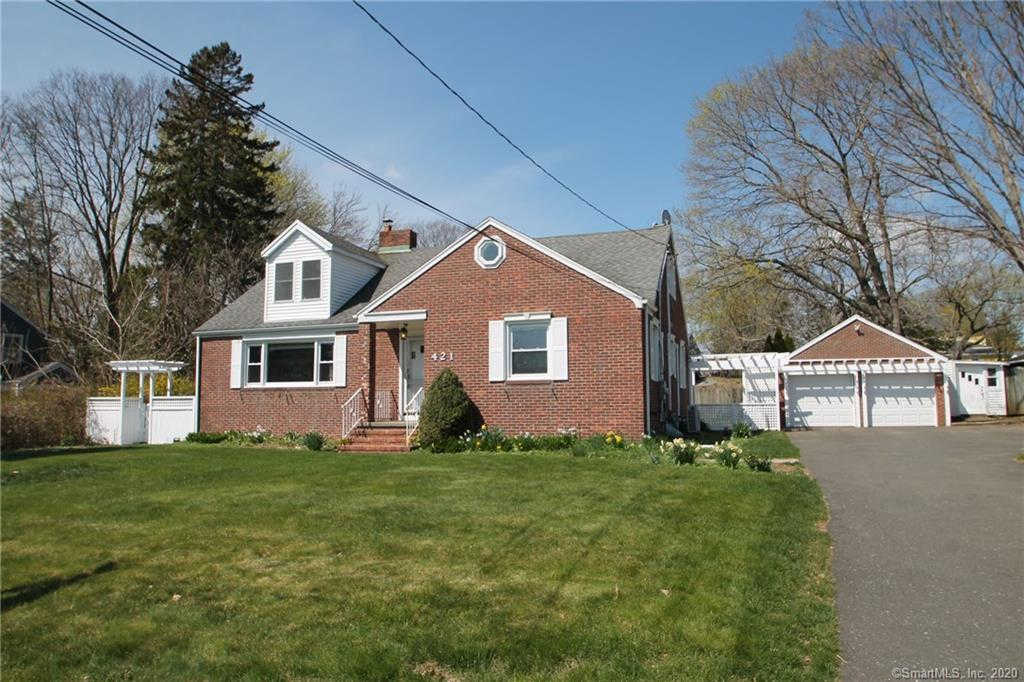 421 Bridgeview Place, Stratford, CT 06614 is now new to the market!