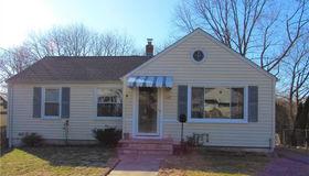 132 Winslow Drive, West Haven, CT 06516