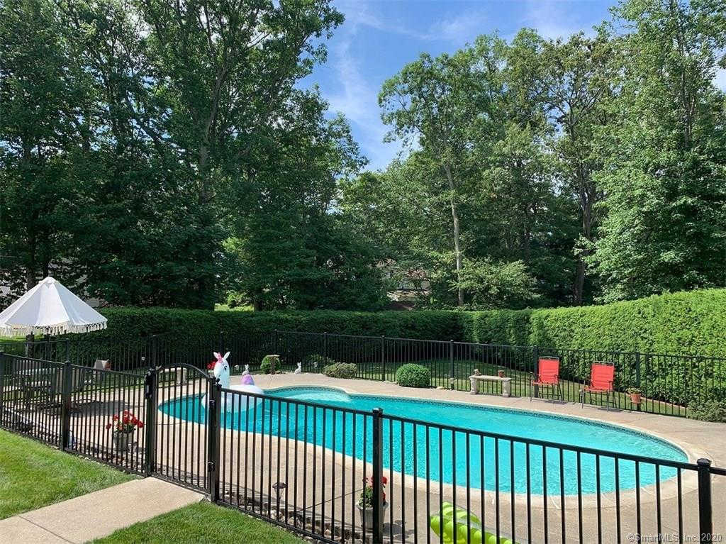 188 Split Rock Drive, Waterbury, CT 06706 is now new to the market!