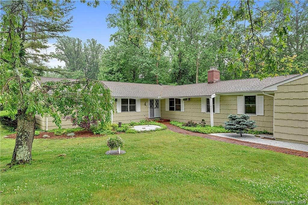 194 Russet Road, Stamford, CT 06903 is now new to the market!