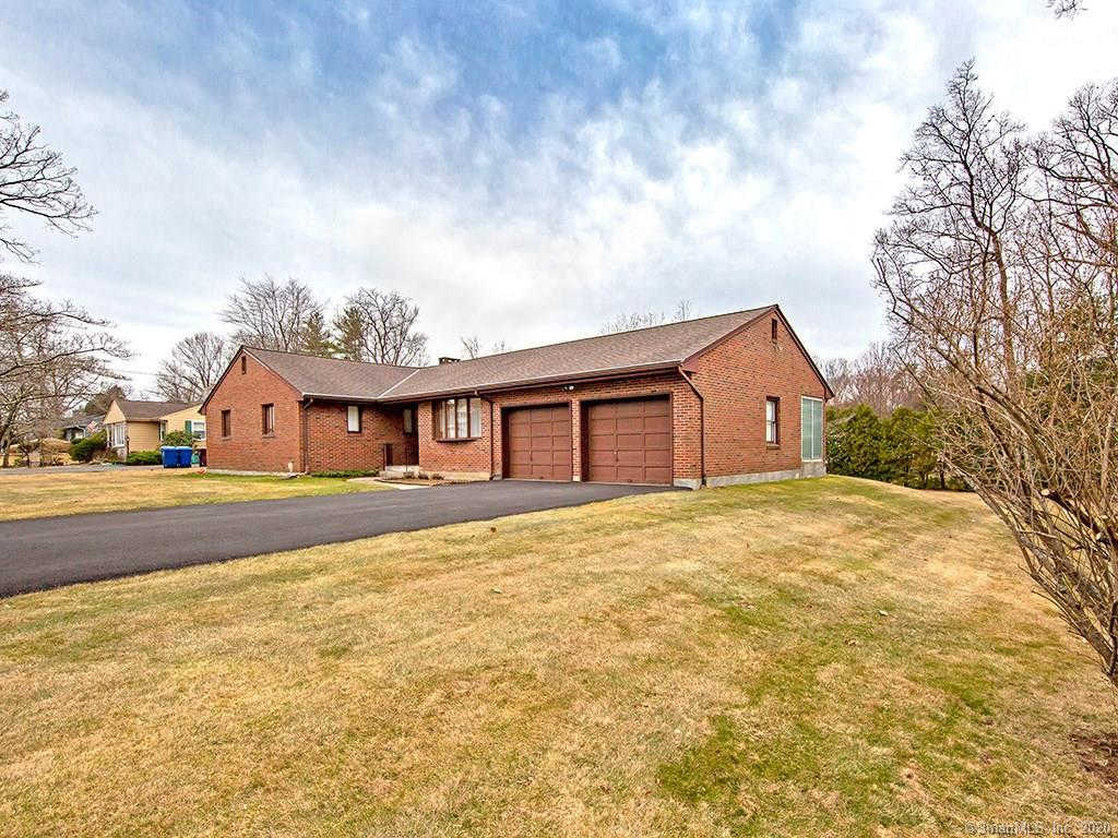 10 Berkshire Drive, Farmington, CT 06032 is now new to the market!