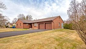 10 Berkshire Drive, Farmington, CT 06032