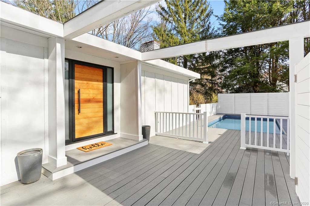 39 Selleck Place, New Canaan, CT 06840 is now new to the market!
