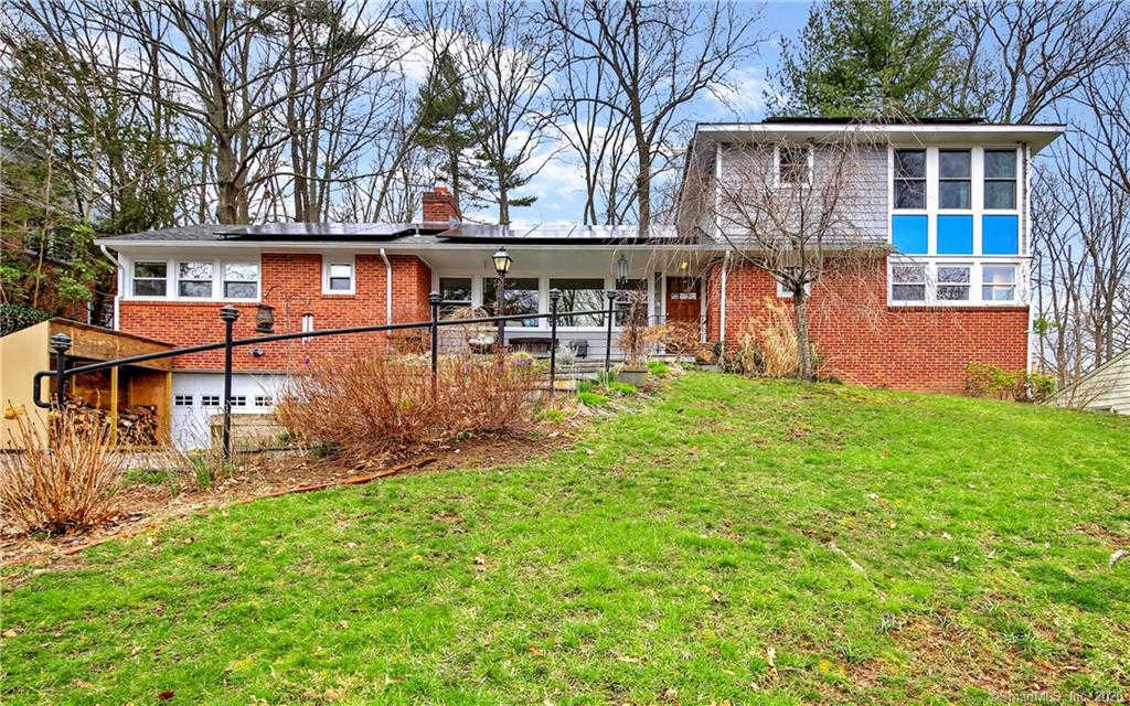 55 Knollwood Drive, New Haven, CT 06515 is now new to the market!