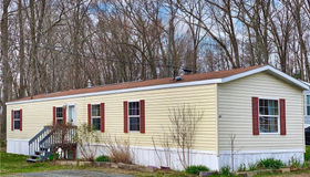 160 Mount Pleasant Road #15, Newtown, CT 06470