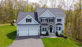 15 Hitching Post Circle, North Haven, CT 06473