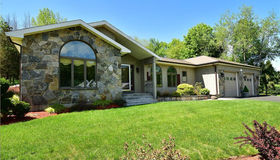 40 Brookview Circle, Manchester, CT 06040