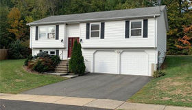 33 Hawks Nest Circle, Middletown, CT 06457