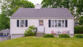 7 New Hampshire Lane, Montville, CT 06370