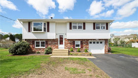 35 Meadow Drive, Waterford, CT 06385
