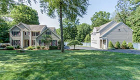 20 Nunnawauk Road, Newtown, CT 06470