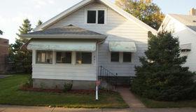 841 Rose Avenue E, Saint Paul, MN 55106