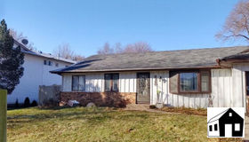 8240 Ivywood Avenue S, Cottage Grove, MN 55016