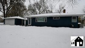 1458 Cope Avenue E, Maplewood, MN 55109
