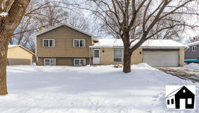 9936 Deerwood Lane N, Maple Grove, MN 55369