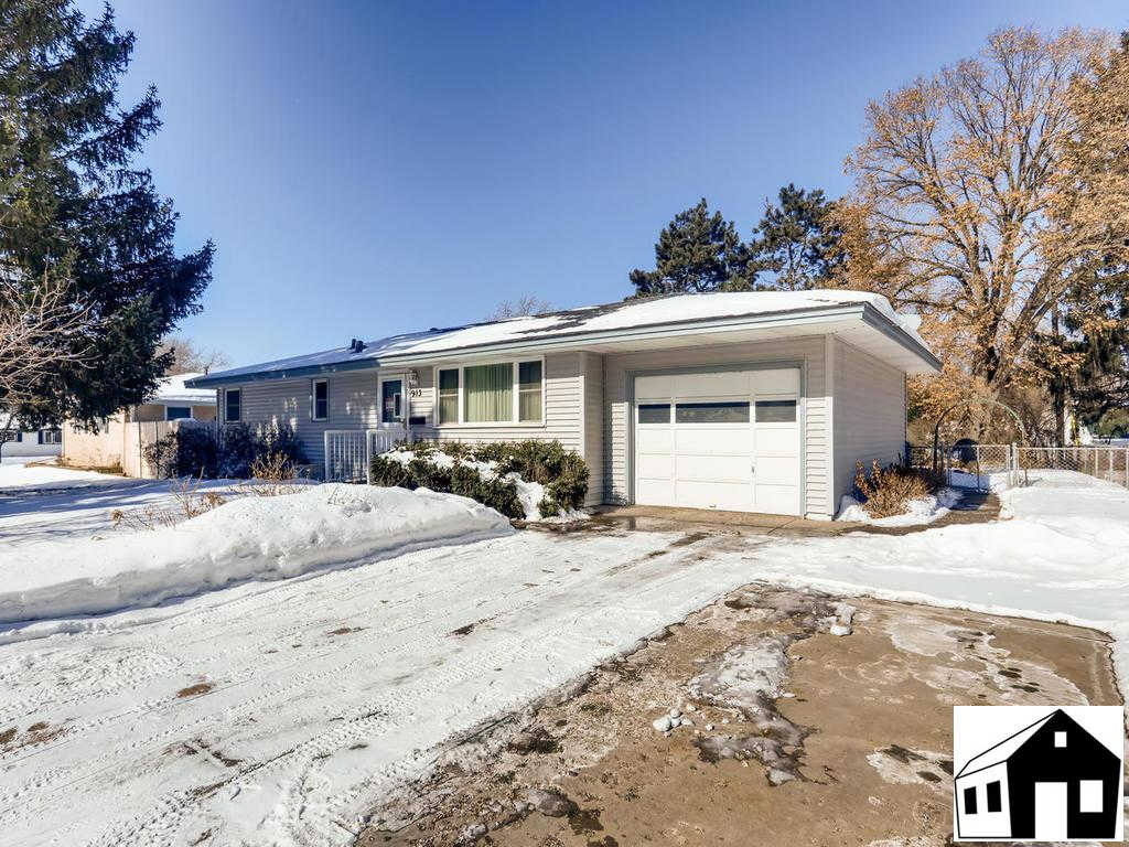 913 68th Avenue NE, Fridley, MN 55432 is now new to the market!