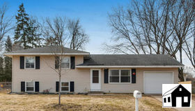 8337 80th Street S, Cottage Grove, MN 55016