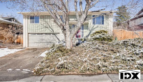 2037 S Welch Circle, Lakewood, CO 80228