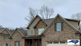 122 Loganberry Court, Clemmons, NC 27012