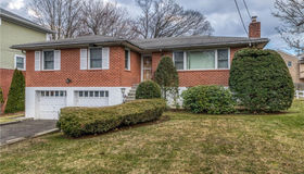 28 Algonquin Road, Yonkers, NY 10710