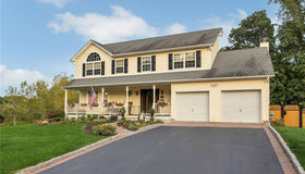 1001 Summit Woods, New Windsor, NY 12553