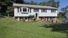 29 Clintonwood Drive, New Windsor, NY 12553
