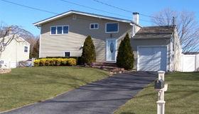 501 Coates Avenue, Holbrook, NY 11741