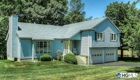 16 Hoover Drive, Middletown, NY 10940