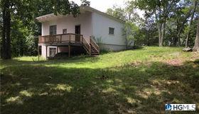 286 Oscawana Lake Road, Putnam Valley, NY 10579