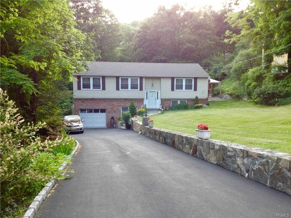 3823 Perry Street, Jefferson Valley, NY 10535 is now new to the market!