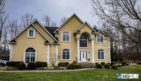 15 Grandview Road, Central Valley, NY 10917