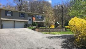 366 Hosner Mountain Road, Stormville, NY 12582