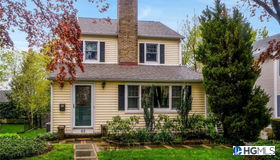 65 Sprague Road, Scarsdale, NY 10583